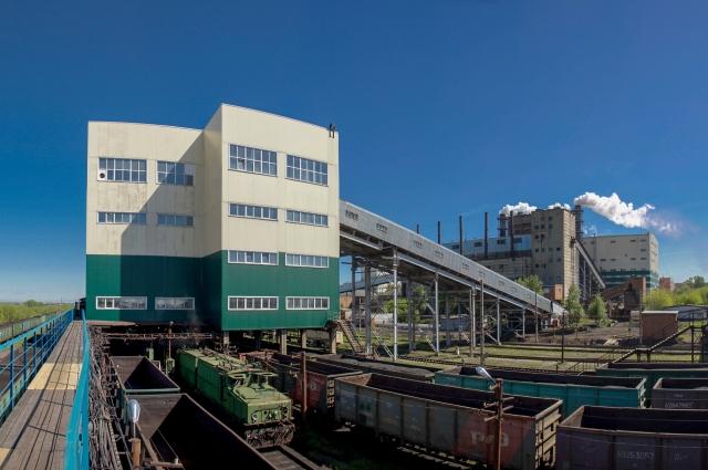 Центральная обогатительная фабрика: отгрузка угольного концентрата.