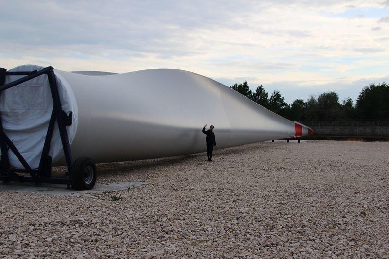 Производство 60-метровых композитных лопастей для таких установок также локализовано в регионе.