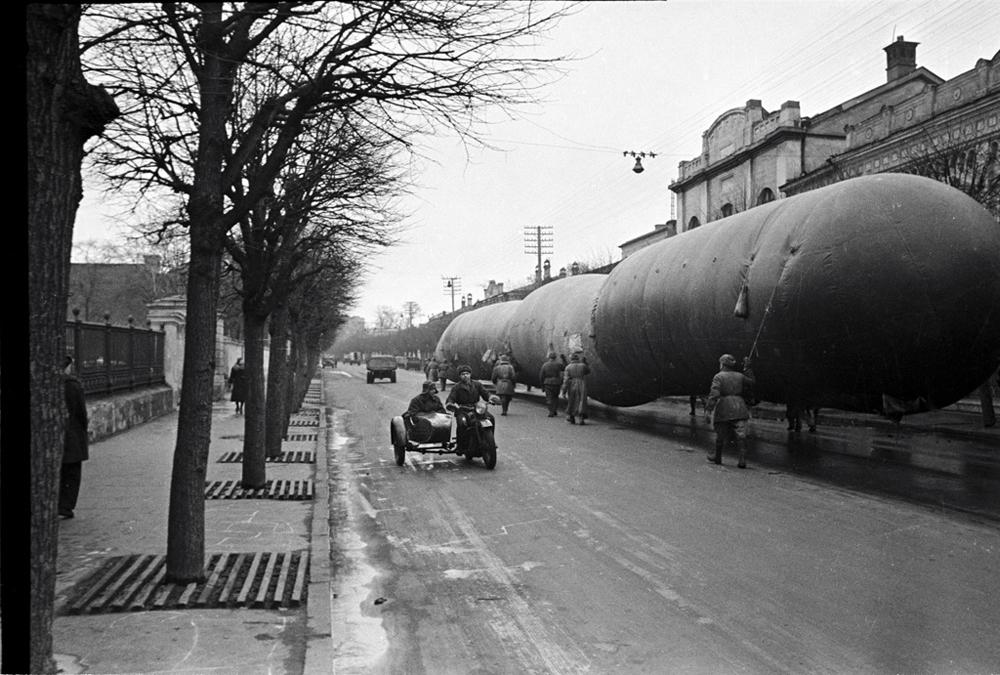 Газгольдеры на Большой Ордынке, Москва, 1941 г.