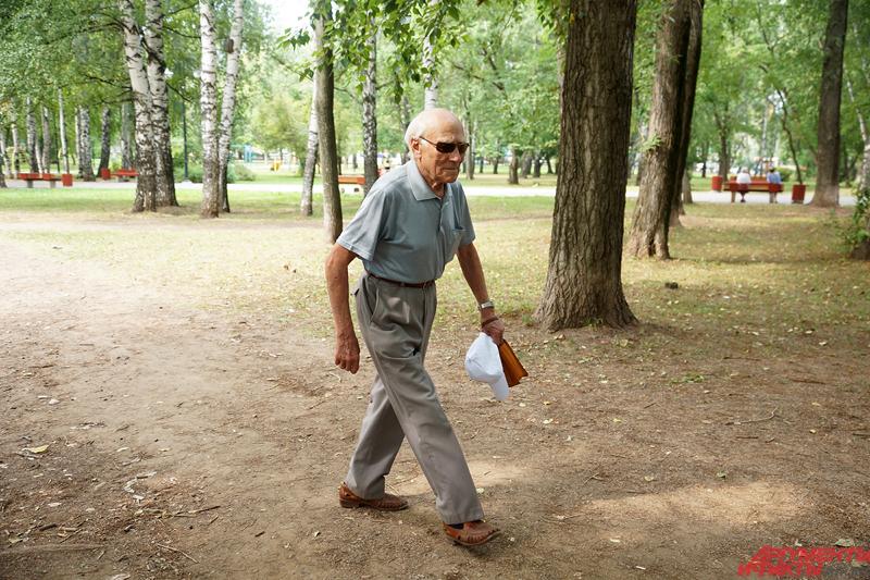 Кирилл Петровичу недавно исполнилось 89 лет.