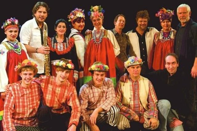 Леонид Винцкевич вместе с фольклорным коллективом «Ростань»