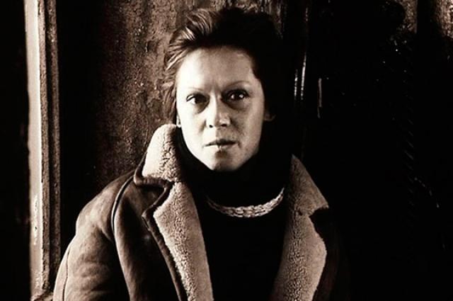 У Алисы Фрейндлих небольшая, но очень заметная роль жены Сталкера.
