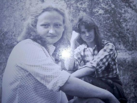 Анна Александровна и Лариса (слева направо)