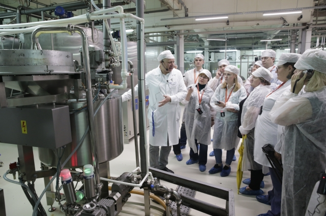 Это настоящий инновационный завод, работающий по сложным высокоточным технологиям.