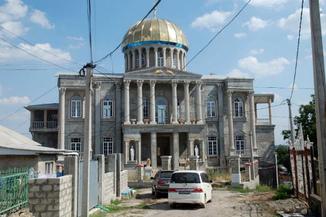 Цыганский дом в г. Сороки.
