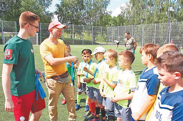 Молодёжная палата Северного Бутова проводит спортивные мероприятия для жителей разных возрастов.