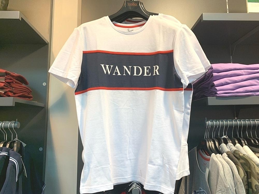 Мужская футболка в магазине Zolla за 799 рублей.