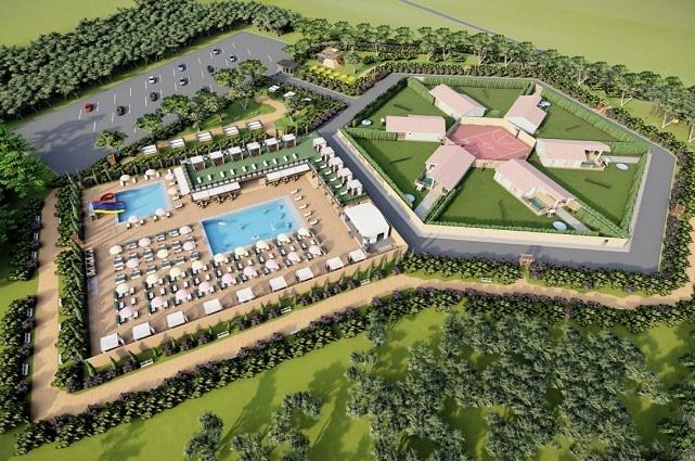 В глэмпинг-парке, помимо пяти модулей, будет автокемпинг с термальными бассейнами и индивидуальными беседками.