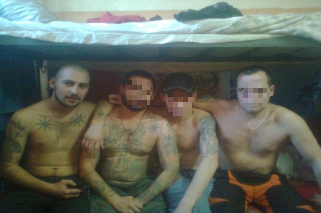 Александр Мишаков на фото крайний слева.
