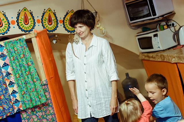 Со своими питомцами Ольга с удовольствием знакомит детей.