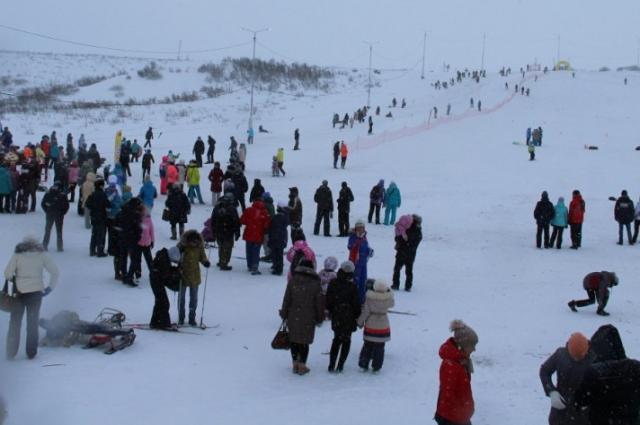 Первыми трассу опробовали сноубордисты.