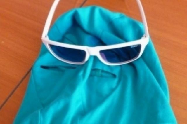 В масках и очках он только в Интернете