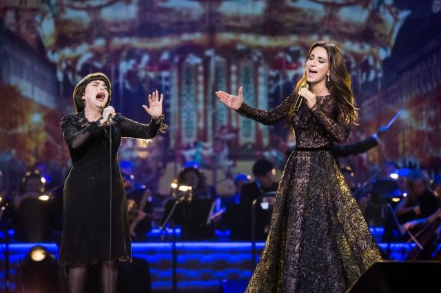 Зара несколько раз пела дуэтом с Мирей Матье.