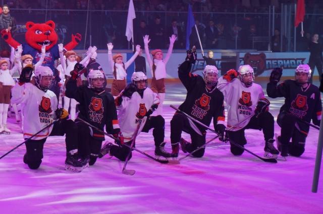 Церемония открытия прошла 17 марта в УДС «Молот».