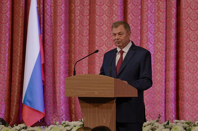 В собрании, посвящённом юбилею заксобрания, принял участие и глава региона Анатолий Артамонов.