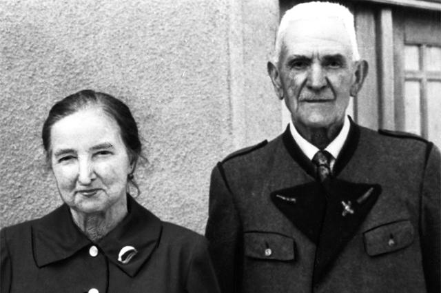 Мария и Иоганн Лангталеры, спасшие в годы Второй Мировой войны двух советских офицеров (Михаил Рыбчинский и Николай Цемкало), которые бежали из концлагеря Маутхаузен.
