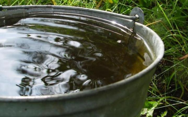 Ведро с водой
