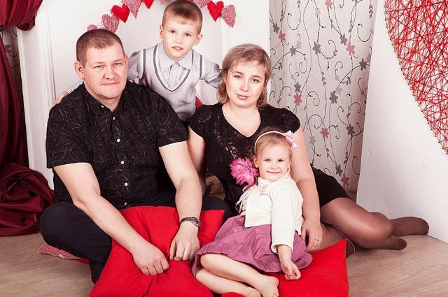 Родители с Ромой и Варей