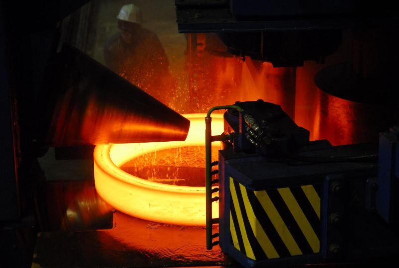 Завод имеет наукоемкий филиал в Челябинске, где выплавляет все известные на сегодня специальные стали.