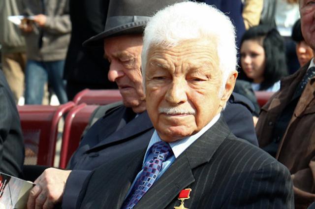 Степан Микоян.