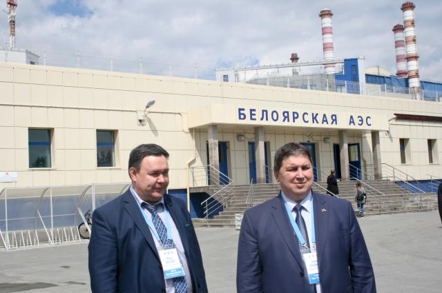 Главный инженер БАЭС Юрий Носов и директор станции Иван Сидоров.