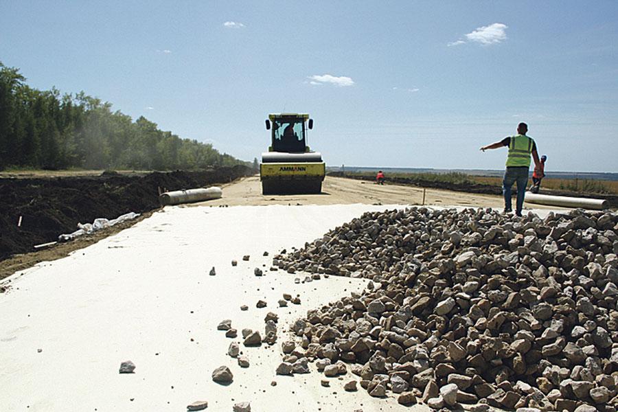 Дороги в Инжавинском районе строятся по новым технологиям.