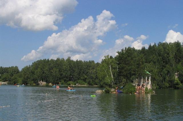 Озеро Ая на Алтае - одно из любимых мест отдыха омичей.