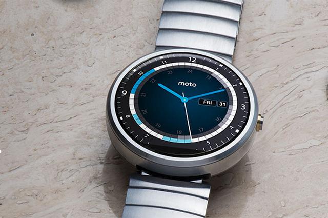 Часы Moto 360