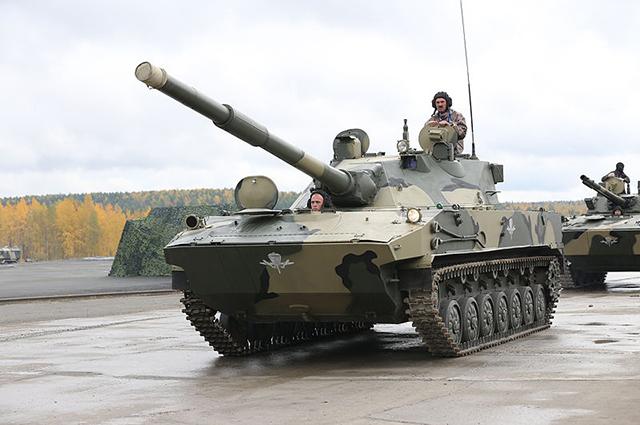 Самоходная артиллерийская установка 2С25 Спрут-СД на выставке Russia Arms Expo 2013