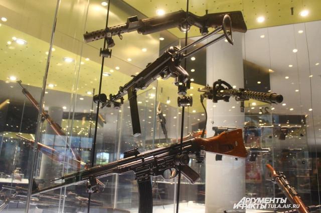 Несмотря на свой солидный возраст, все автоматы и пулеметы находятся в прекрасном состоянии.