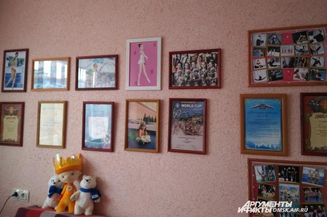 Самые яркие и памятные фото дома у Веры Бирюковой висят на стене в её комнате.