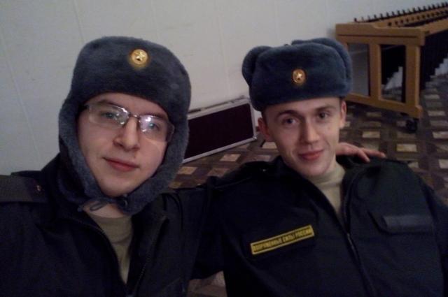 Слева - Николай Калашников, справа - Кирилл Ляшенко