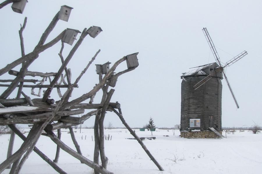 Эта мельница - самая старая из сохранившихся в России.