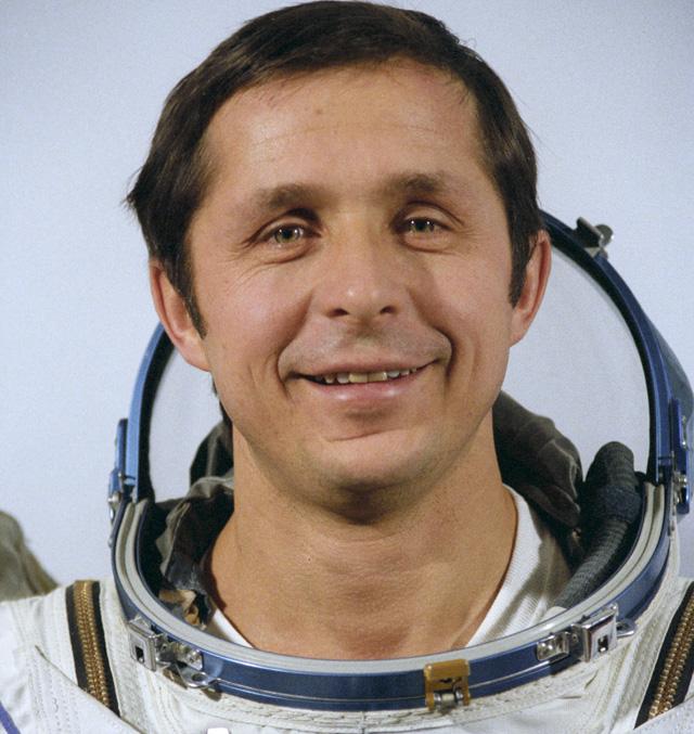 Виктор Савиных.