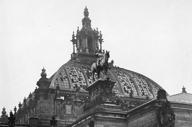 Купол Рейхстага после пожара