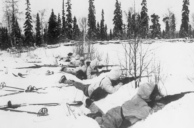 Финские лыжники на позиции