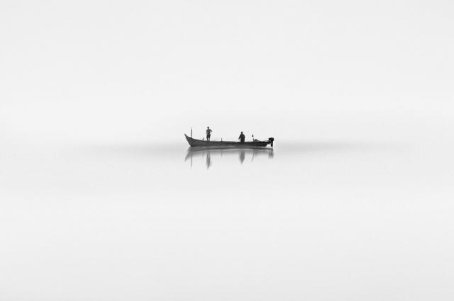 Снимок «Утро», сделанный в Индии, напоминает картину, написанную акварелью.