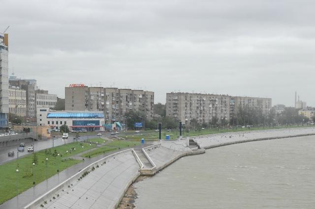 По Иртышской набережной будет ходить общественный транспорт.