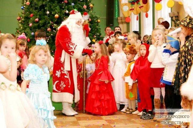 Настоящий Дед Мороз - хороший детский психолог.