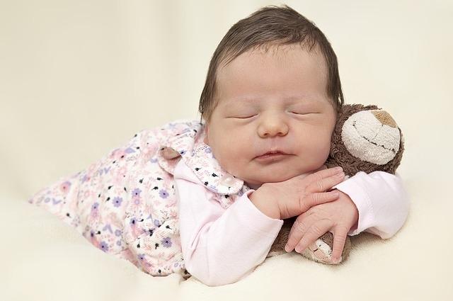 Новорожденный малыш.