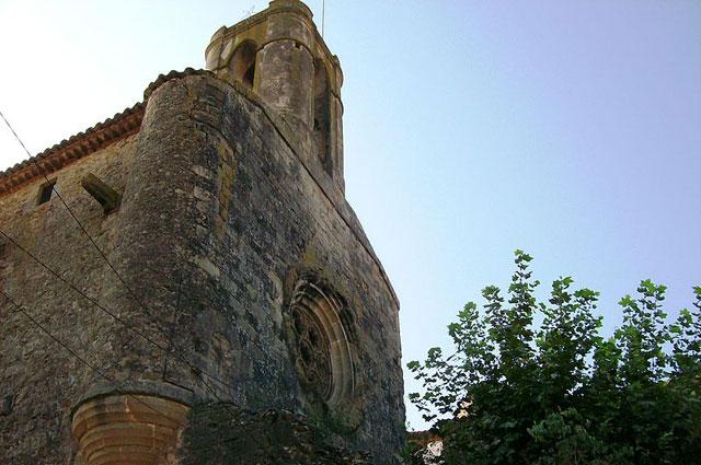 Замок Пуболь, подаренный Дали своей жене