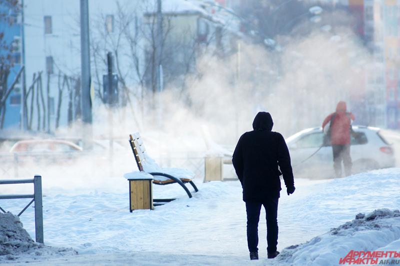 Новый год встретил жителей Урала рекордными за семь лет морозами.