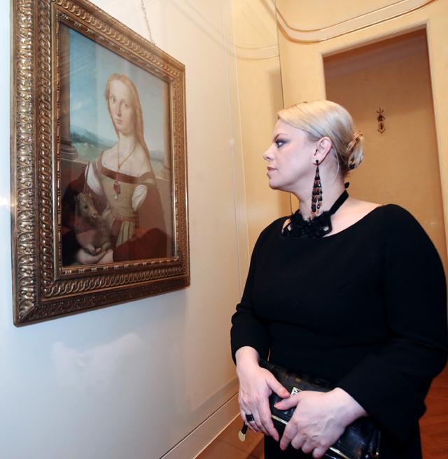 Яна Поплавская.