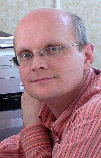 Юрий Авдеев окончил режиссёрское отделение Алтайского государственного института культуры.