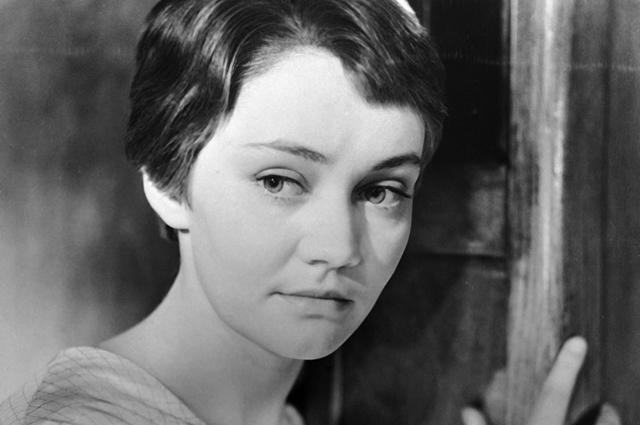 Лариса Лужина в роли Светланы в фильме «На семи ветрах», 1963 г.