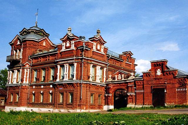 Местный исторический музей расположился в старинной усадьбе В.Гомулина.