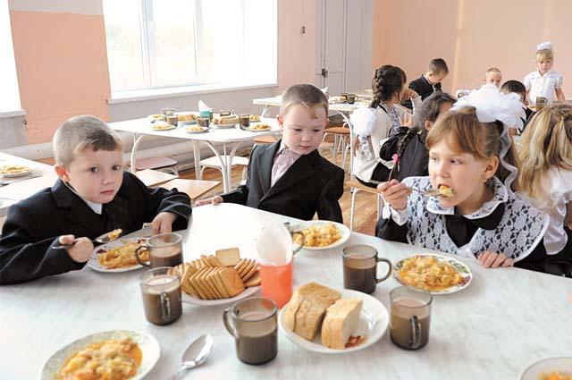 Власти выделяют 60,4 руб. на горячий завтрак.