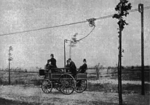 Первый в мире троллейбус, Electromote Сименса, 1882 год