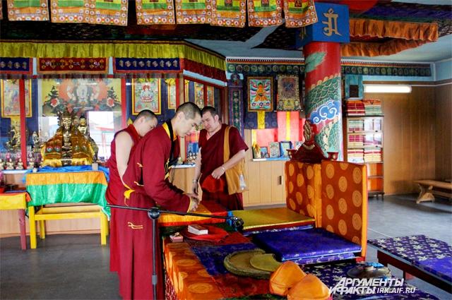 Яркое убранство дугана - отражение характера буддийского учения.