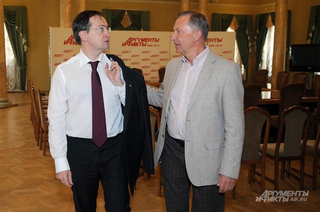 Министр культуры РФ Владимир Мединский и главный редактор АиФ Николай Зятьков
